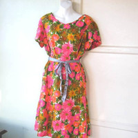Yellow/Green/Hot Pink Floral '60s Sheath/Church Dress; Women's XL Short-Sleeve Dress in Mod Zinnia/Garden Print; U.S. Shipping Included