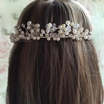 White Bridal Hair Vine Ivory Pearl Wedding Hair Accessories Boho Chic Whimsical Hair Wreath Romantic Woodland Wedding Tiara Rustic Bride