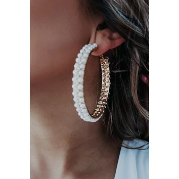 See Your Love Earrings: Pearl/Gold