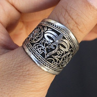 Free shipping - Wide Beautiful Adjustable Tibetan Silver Lotus Filigree Delicately Carved Buddha Eye Amulet Ring