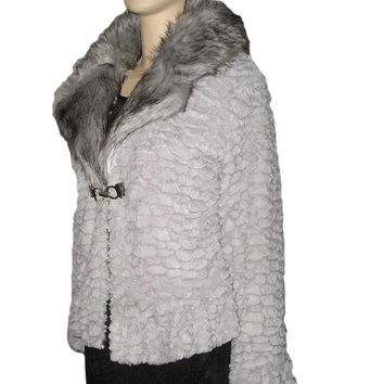 Vintage 80s GREY Ruffled FAUX Fur Jacket with Wide Faux Fox Collar L/XL Plus Size. Pearl Grey Fun Fur Jacket L, Scalloped Fur Ruffled Jacket