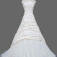 A-line  Sweetheart  Court Train Taffeta  Tulle  Wedding Dresses With Ruffles