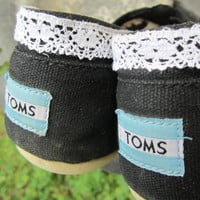 Fancy Custom Lace Toms