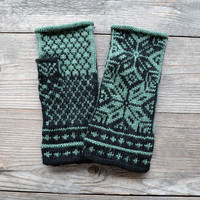 Green and Black  Fingerless Gloves - Scandinavian fingerless gloves with stars - Green and Black Gloves nO 3.