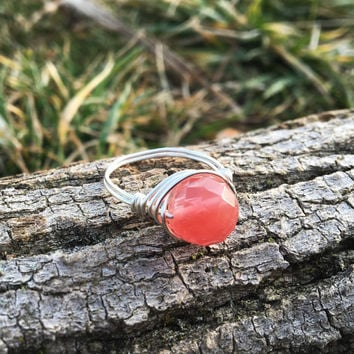 Cherry Quartz ring, Cherry Quartz jewelry, Crystal jewelry, healing stone jewelry, gemstone wire ring, gemstone ring, pink gemstone ring