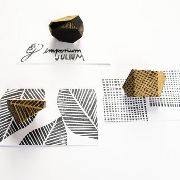 MODERN GEOMETRIC JEWELLEY Set of 3 Minimalist wood brooches Small brooch Handmade jewelry Natural jewellery Upcycled Wooden accessories Eco