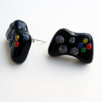 XBOX360 Controller Stud Earrings  made to order by FrozenNote