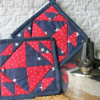 Red White and Blue Star Potholders, Set of 2, Thermalite Back