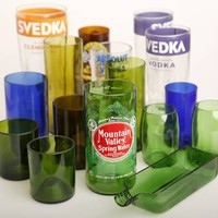 Dallas artist turns old bottles into cool glasses, trays and other items