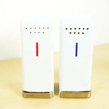 1930s Vintage Art Deco Salt & Pepper Shakers - Mid Century Modern