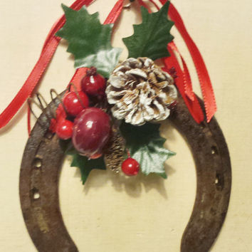 Christmas Horseshoe Wall Decor, Vintage With Patina, Rusty Good Luck Ornament, Hoilday Gift, Housewarming Gift, Customize, Made to Order