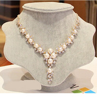 New Fashion simulated Pearl Necklace Cute Charm Gem Crystal Statment Necklaces & Pendants Fashion Jewelry Woman Gift Choker