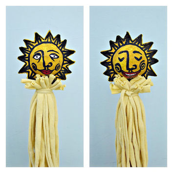 Paper Mache Sun Stick Puppet Decor Accent Toy: Frère Soleil