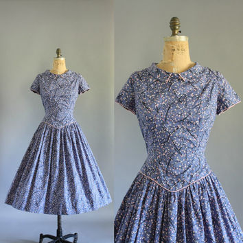 Vintage 50s Dress/ 1950s Cotton Dress/ Purple Floral Drop-waist Cotton Dress w/ Pointed Collar M