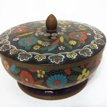 Vintage Flower Tin with Handle by Daher by ModernFiction on Etsy