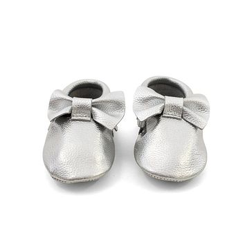 Bow Baby Leather Moccasins Silver Coin