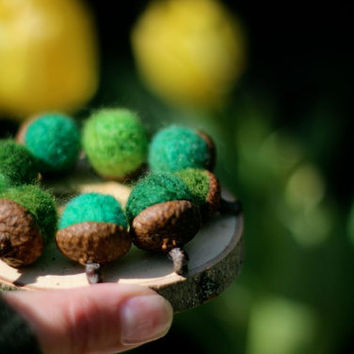 Needle Felted Woodland Moss Acorns Set of 8 / Home by Willowfolk