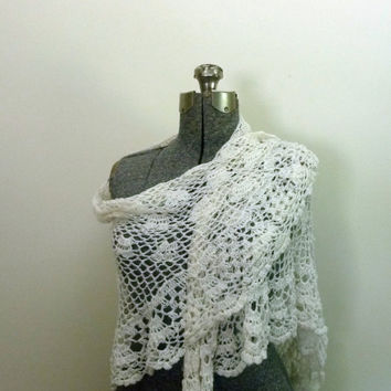 Vintage Crochet Lace Shawl Off White Sally Gee by rileybella123