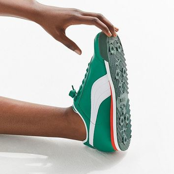 Puma Roma Runner Sneaker | Urban Outfitters