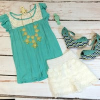 Flowy Lace Detail Top: Mint