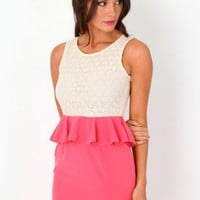 Missguided - Mirillet Lace Contrast Peplum Dress