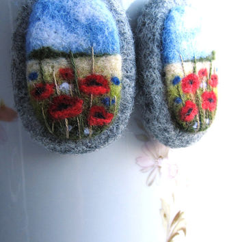 Needle felted Earrings with embroidery,Wool felt Earrings,Poppy flower Earrings,Felted jewelry,Gift ideas,For her,felted landscapes