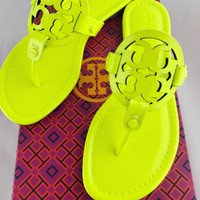 Tory Burch Miller Sandals Thong Flip Flop Patent Leather Neon Yellow 7.5