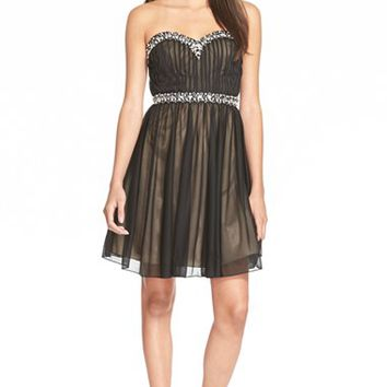 Junior Women's Sequin Hearts Embellished Babydoll Dress,