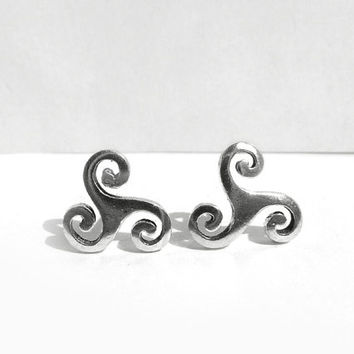Celtic Sterling Silver Post Earrings, Celtic Triskele Stud Earring, Celtic Spiral Earring, 925 Sterling Silver Jewelry Celtic Design, Artida