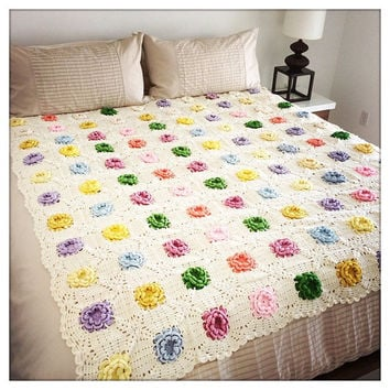 Gorgeous Vintage Handmade Pastel OPEN FLOWER Crochet Queen Size Afghan Blanket Throw QUILT