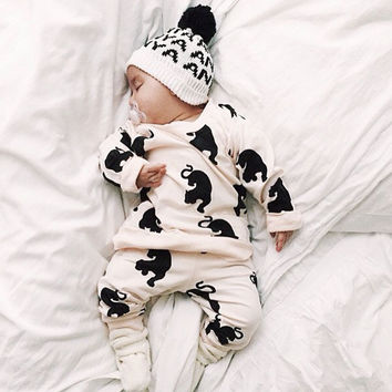 New 2016 baby boys and girls clothes casual unisex newborn  cotton white long sleeved t-shirt + pants baby clothing sets
