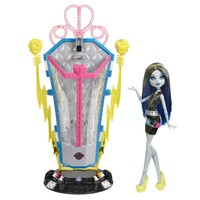 Monster High® Freaky Fusion™ Recharge Chamber™ Frankie Stein® - Shop.Mattel.com