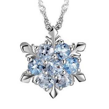 2018  Trendy Natural Temperament Zircon Snowflake Shaped Pendant Necklace Summer Style Girls Charming Jewelry