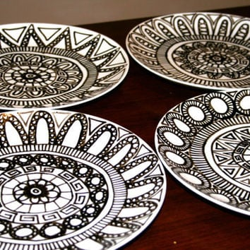 Set of 4 Black and White Hand Drawn Dinner Plates with Pattern