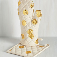 Pizzazz Good as Gold Pot Holder Set by ModCloth