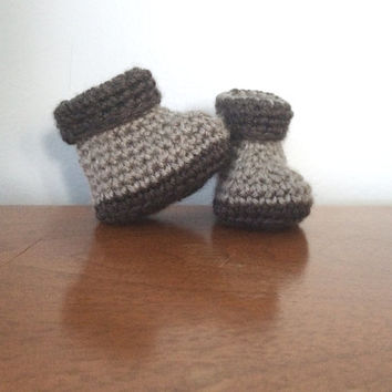 b67dc014724 Unisex Newborn Booties - Grey Baby Shoes - Gender Neutral - Crochet Baby  Clothes - Baby