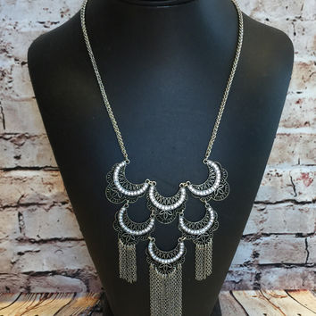 Pullin' Me In Necklace: Silver
