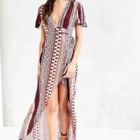 Ecote Engineered Print Flutter-Sleeve Maxi Dress