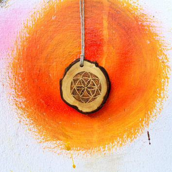 Flower of life jewelry // wooden necklace, pendant // dotart, burned, graved, handmade // unique hippie minimalist upcycled wood jewelry FOL