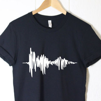 I Love You in Soundwave - Tumblr Shirt - Band Shirt - Sound Wave Shirt - Printed Shirt - Music Shirt  Clothes - Graphic Shirt - Gifts