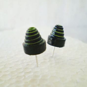 Cone Stud Earrings Spiral Black Neon Green Paper Minimal Unisex Eco Friendly Jewelry / Σκουλαρίκια από χαρτί