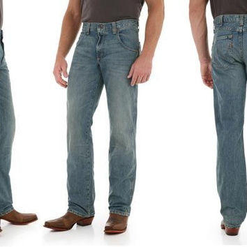 Men's Wrangler Mid-Rise Retro Western Jeans with Straight Leg in Antique Trail WRT30AT