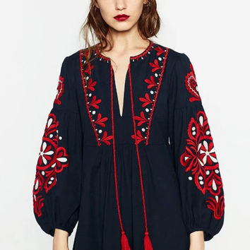 Vintage Ethnic Embroidery Autumn Dress Women Drawstring Round Neck Lantern Sleeve Long Dress maxi Jurk robe longue CCWM8138