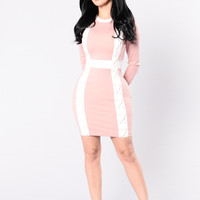 Bottle You Up Dress - Mauve/White