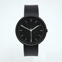 Uniform Wares : 100 Series Wristwatch (Black) from Oi Polloi