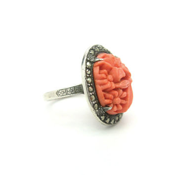 1920s Ring. Art Deco, Czech Coral Glass. Daisy Flowers. Marcasites, Sterling Silver. Vintage 1930s Molded Glass Jewelry Size 6.25