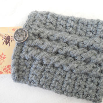 Christmas In July SALE: Gray Gift Card Holder with Thistle Button, Pretty Business Card Holder, Crochet Credit Card Sleeve, Handmade ID Case