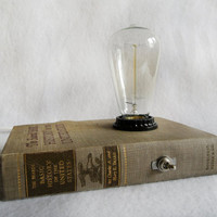 extraordinary book lamp - Basic History of the United States
