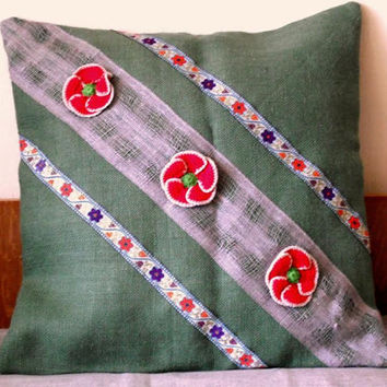Primitive Pillow Cover. Crochet Flower Applique. Traditional Red Green Christmas Themed Pillow Cover, Accent Throw pillow.