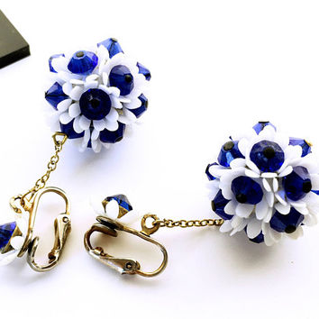 Daisy Pom Pom Earrings - Daisy Dangle Drop Ball Earrings - Daisy Ball Earrings - Faceted Lucite Flower Earrings - Blue and White Earrings
